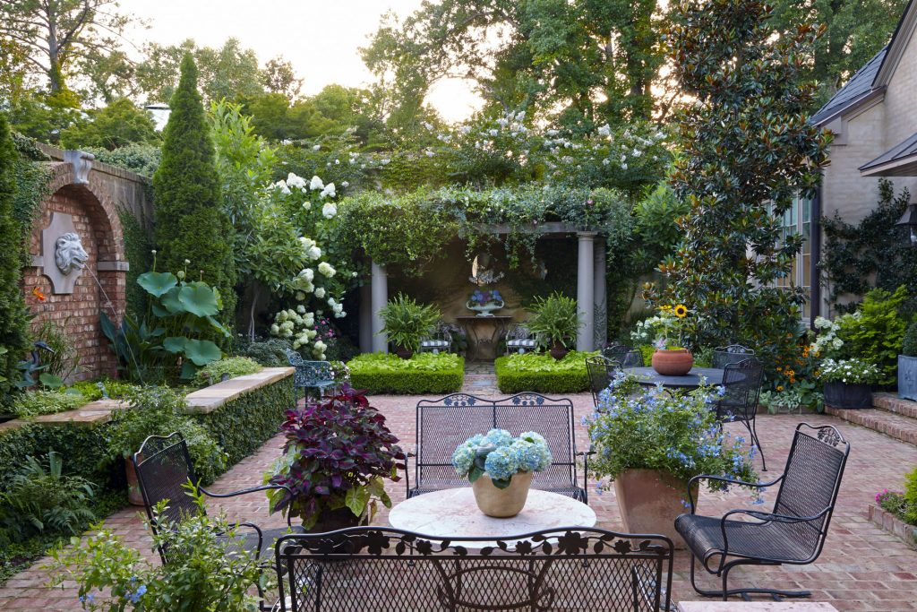 Top 5 Ideas For Designing A Landscape With No Lawn